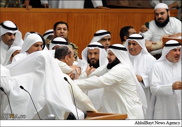shiitenews_Kuwaiti_Wahabi_MPs_attacked_Shia_parlimenterians