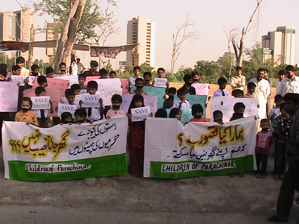 shiitenews_Homeless_Orphan_of_Parachinar_stage_protest_demonstration
