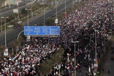 shiitenews_Bahrainis_defy_Saudi_backed_crackdown