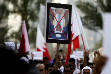 shiitenews_Bahrainis_hold_fresh_anti_regime_rallies