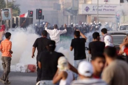 Bahraini forces attack home of opponent