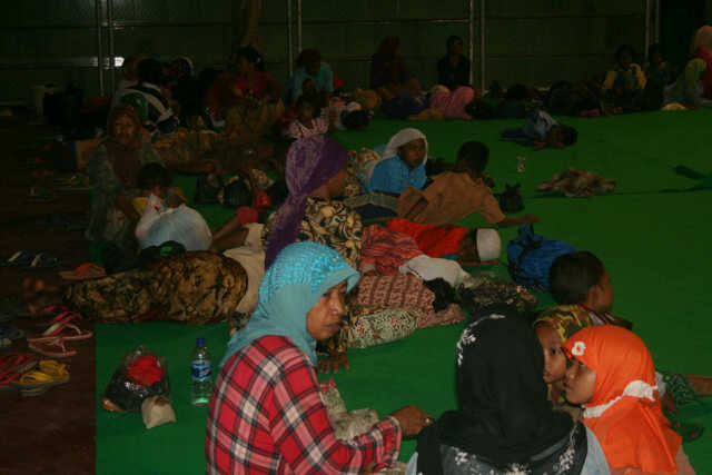 Shia Property Looted In Indonesia Refugees In Madura Need Food Clothing