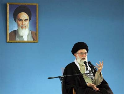 Ayatollahs-Khomeini-Khamenei