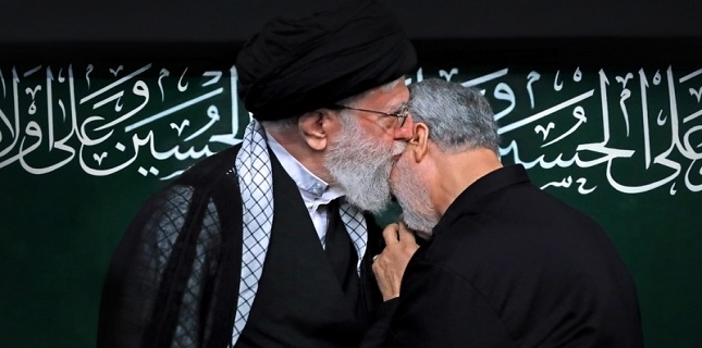 Ayatollah Khamenei awards Iran's highest military order to General Soleimani