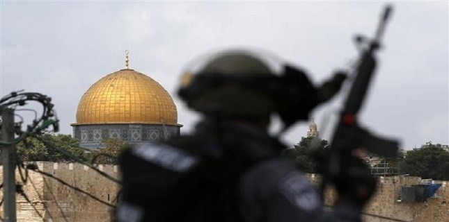 Israeli settlers seal mosque in Jerusalem al-Quds