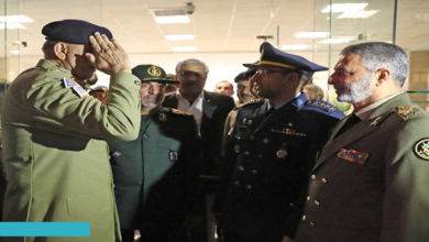 Pakistan Army Chief meets