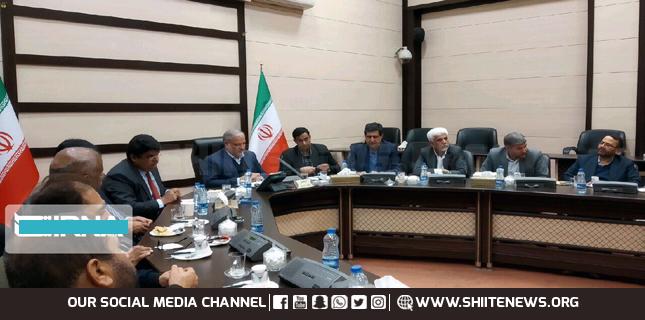 Pakistani officials visit Iran