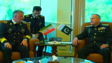 Iran Navy chief meets Pakistani counterpart