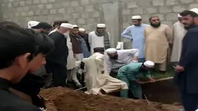JUIF defy restrictions during funeral