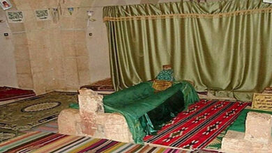 Who desecrated shrine of Omar Ibn Abdul Aziz
