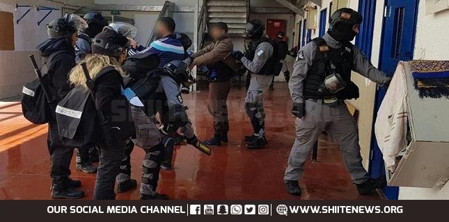 Israeli jailers
