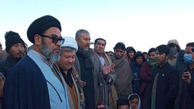 Shia Muslims sit in protest in Quetta against massacre of Hazara