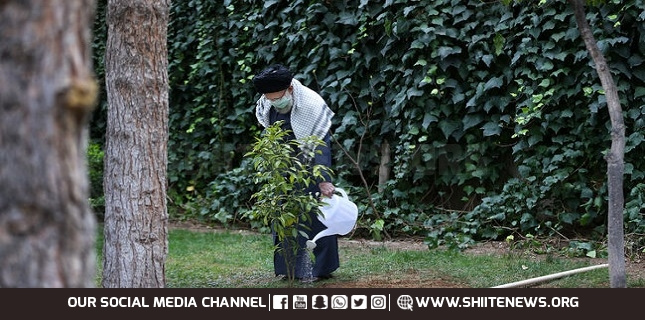 Ayatollah Khamenei calls on people to observe health protocols