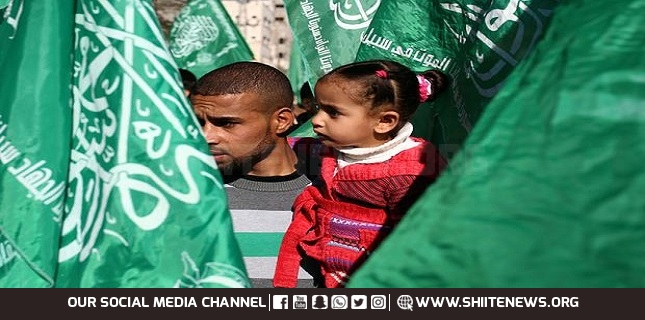 'Israel' Fears Hamas Win, Pressures Palestinian President to Scrap Elections