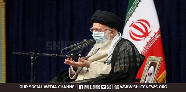 Ayatollah Khamenei calls on Iranian students to foil enemy propaganda