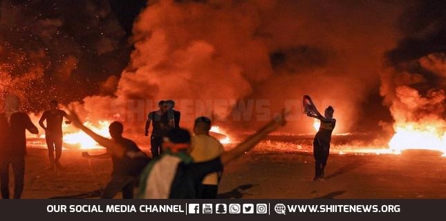 Israeli forces attack anti-blockade protesters at Gaza border fence